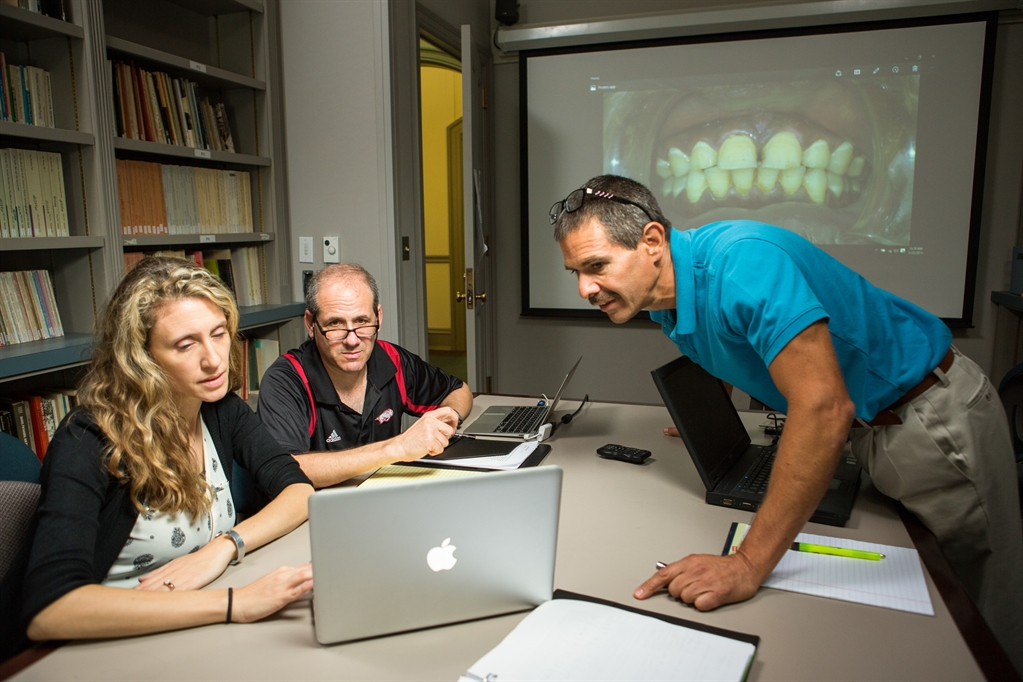 Study Challenges Conventional Wisdom About Diet And Oral Health